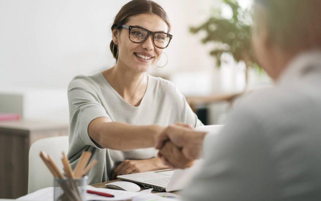 Tout savoir sur le métier d'assistante sociale du travail