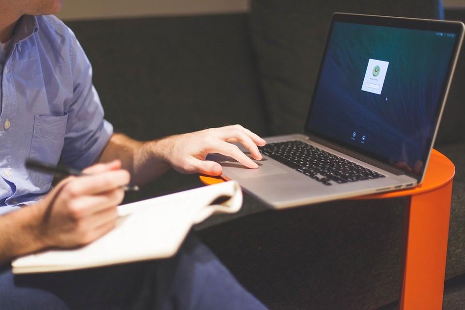 Pôle emploi S'actualiser : Cela prend 2 minutes – Tuto