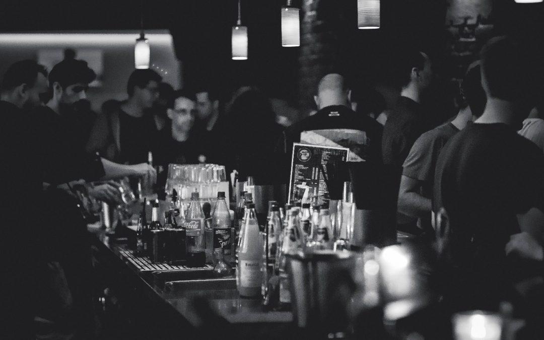 Agencement Bar : L'importance du design et de l'agencement de votre Bar