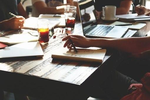 Ce qu'une entreprise peut bénéficier des salles collaboratives
