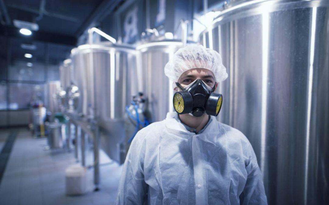 Chargement et déchargement de produits dangereux et corrosifs : les normes