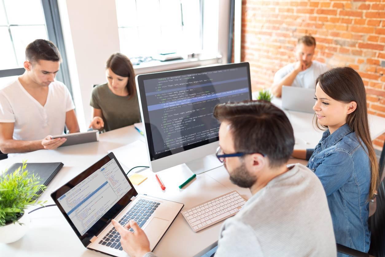 création de logiciel sur mesure pour entreprises